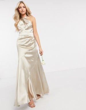 Атласное вечернее платье макси с горловиной халтер, юбкой со вставками и вырезом-капелькой Bridesmaid-Бежевый ASOS DESIGN