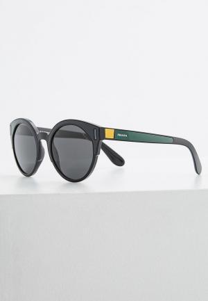 Очки солнцезащитные Prada PR 03US 07E5S0. Цвет: серый