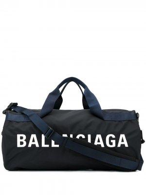 Спортивная сумка Wheel Balenciaga. Цвет: черный