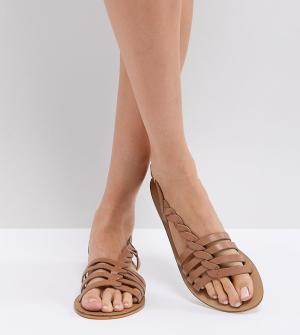 Кожаные сандалии с Т-образными ремешками ASOS FLATTERED DESIGN. Цвет: рыжий