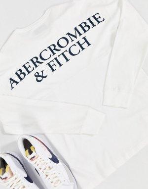 Белый лонгслив с логотипом на спине Abercrombie & Fitch