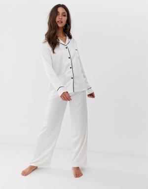 Пижама из атласной рубашки с длинными рукавами и брюк кремового цвета -Белый Bluebella