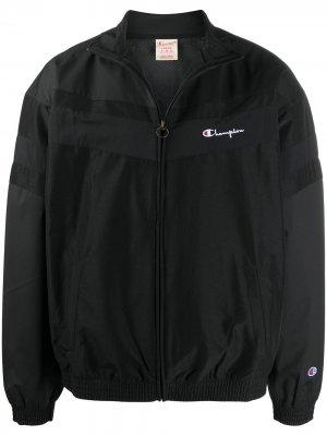 Спортивная куртка с вышитым логотипом Champion. Цвет: черный