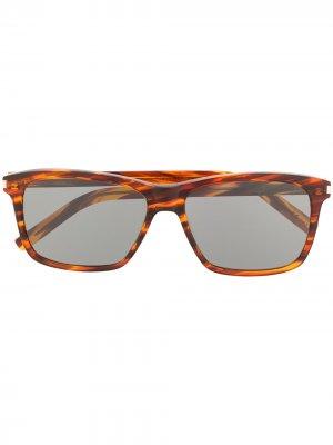 Солнцезащитные очки в прямоугольной оправе Saint Laurent Eyewear. Цвет: коричневый