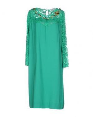 Платье до колена GOLD. Цвет: зеленый