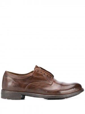 Броги без шнурков Officine Creative. Цвет: коричневый