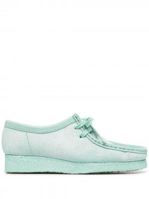 Туфли Wallabee на шнуровке Clarks Originals. Цвет: зеленый