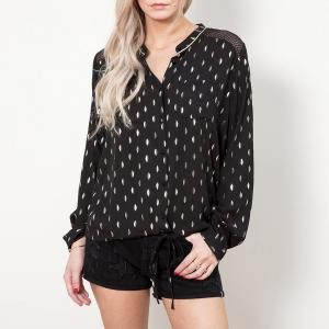 Блузка без воротника с принтом длинными рукавами LE TEMPS DES CERISES. Цвет: черный/ золотистый