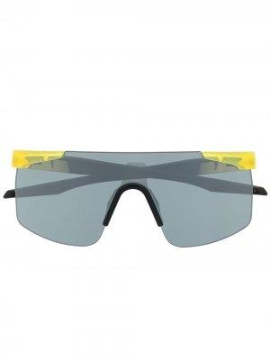 Солнцезащитные очки в квадратной оправе PUMA. Цвет: черный