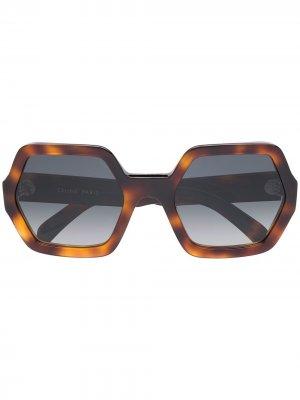 Солнцезащитные очки в массивной оправе Celine Eyewear. Цвет: коричневый