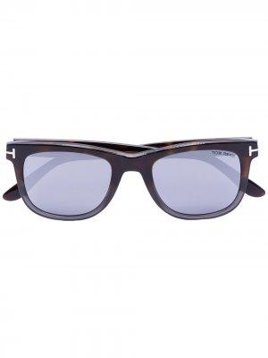 Солнцезащитные очки Leo в квадратной оправе Tom Ford Eyewear. Цвет: черный