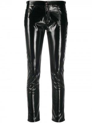 Виниловые брюки скинни Laneus. Цвет: черный