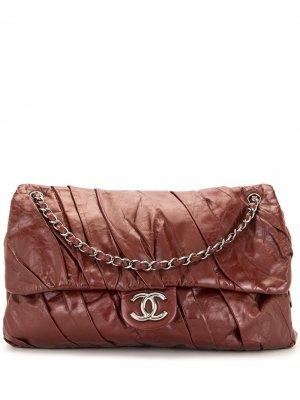 Сумка на плечо со сборками Chanel Pre-Owned. Цвет: красный