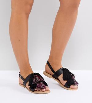 Кожаные сандалии для широкой стопы с кисточками ASOS FAVOUR DESIGN. Цвет: черный