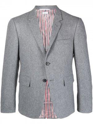 Пиджак строгого кроя с полосками RWB Thom Browne. Цвет: серый