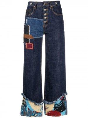 Расклешенные джинсы в технике пэчворк Andersson Bell. Цвет: синий
