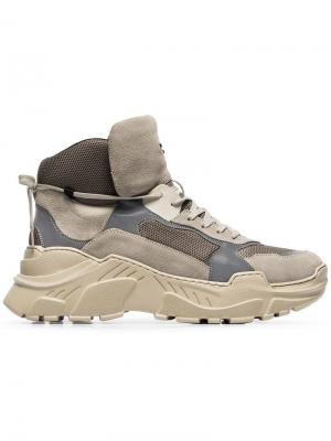 Кроссовки на шнуровке Balmain. Цвет: бежевый