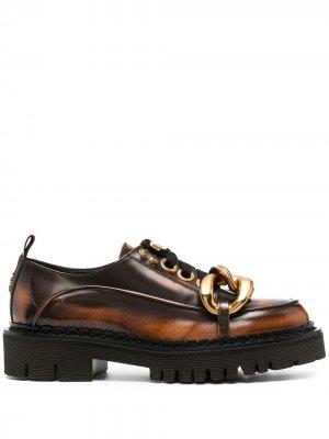 Туфли дерби с массивными цепочками Nº21. Цвет: коричневый