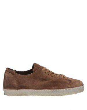 Низкие кеды и кроссовки ALEXANDER HOTTO. Цвет: коричневый