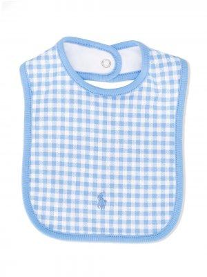Нагрудник в клетку гингем с логотипом Ralph Lauren Kids. Цвет: синий