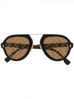 Солнцезащитные очки-авиаторы с логотипом FF Fendi Eyewear. Цвет: черный