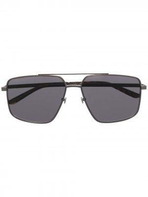 Солнцезащитные очки-авиаторы с двойным мостом Gucci Eyewear. Цвет: серебристый