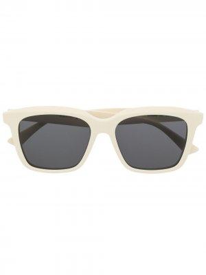 Солнцезащитные очки в квадратной оправе Bottega Veneta Eyewear. Цвет: нейтральные цвета